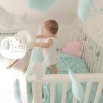 baby-bett-gute-nacht-weiss-140x70-seitenansicht