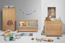 babyzimmer-wood-3-teilig-spielzeug